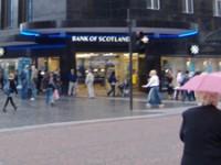 Hypermodern kantoor van de Bank of Scotland in Schotland